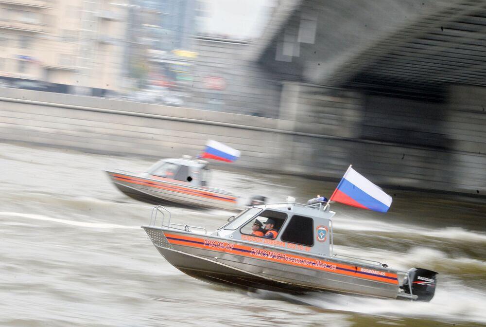 Doble récord: el primer desfile de los servicios públicos urbanos de Moscú
