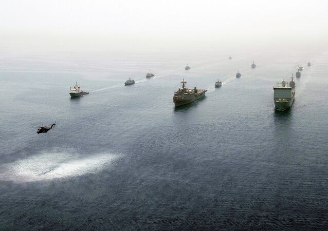Naves en el golfo Pérsico (archivo)
