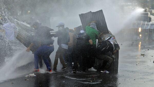 Protesta en Venezuela en febrero del 2014 - Sputnik Mundo