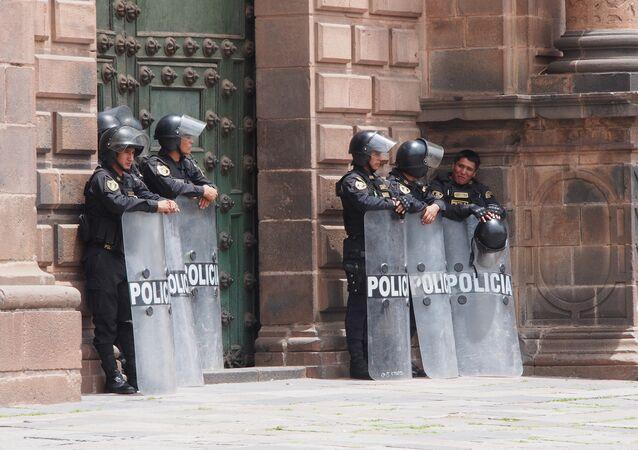Policías peruanos (archivo)