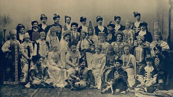 Baile de trajes de Nicolás II, 1903 - Sputnik Mundo