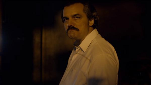 Wagner Moura ejecuta el rol de Pablo Escobar - Sputnik Mundo