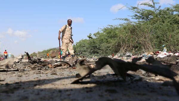 El lugar de la explosión en Mogadiscio, Somalia - Sputnik Mundo