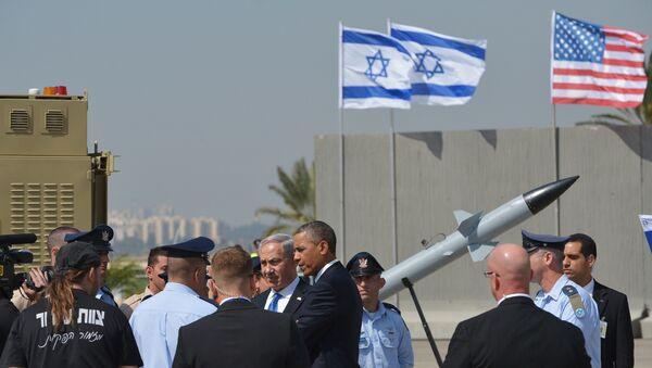 US President Barack Obama (C-R), escorted by Israeli Prime Minister Benjamin Netanyahu (C-L), - Sputnik Mundo