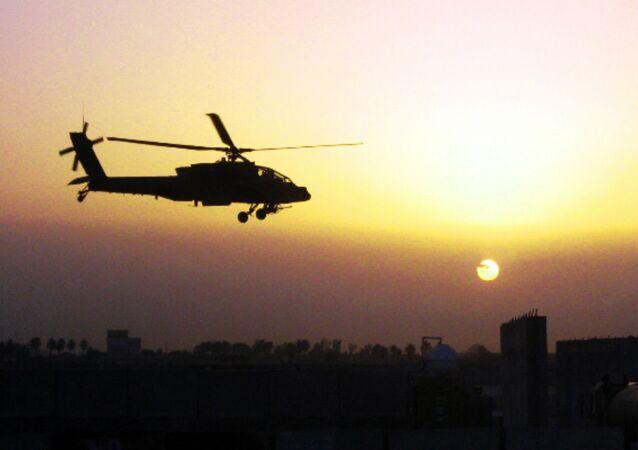 Helicóptero militar Apache AH-64D (archivo)