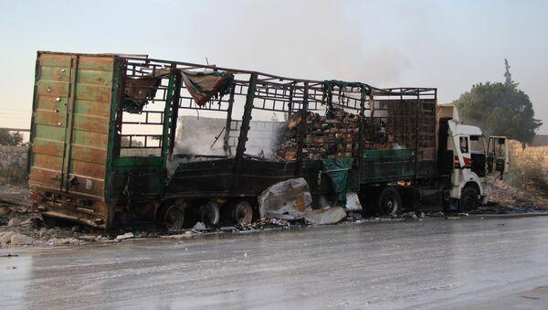 Un convoy humanitario de la ONU destruido en un bombardeo en Siria - Sputnik Mundo