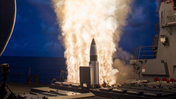 Un misil estadounidense Aegis que se prevé desplegar en Europa como parte del Escudo Antimisiles - Sputnik Mundo