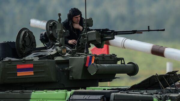 El tanque de Armenia (archivo) - Sputnik Mundo