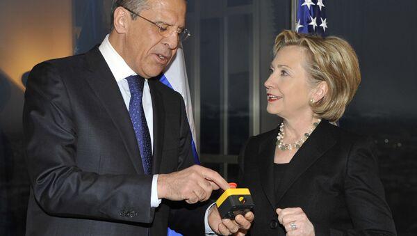 Hillary Clinton y Serguéi Lavrov inician un 'reinicio' de las relaciones entre Moscú y Washington el 6 de marzo del 2009 - Sputnik Mundo
