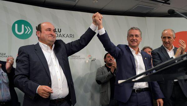 Presidente del PNV Andoni Ortuzar y candidato del PNV a la reelección Íñigo Urkullu - Sputnik Mundo