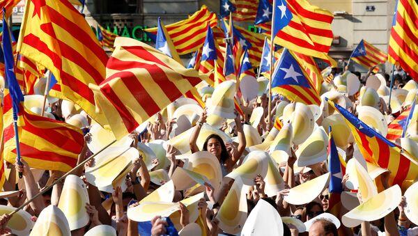 Las banderas catalanas - Sputnik Mundo