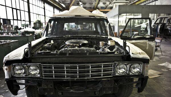 El espíritu soviético de los legendarios automóviles ZIL - Sputnik Mundo