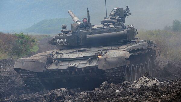 Tanque T-90 en la región del Cáucaso Norte - Sputnik Mundo