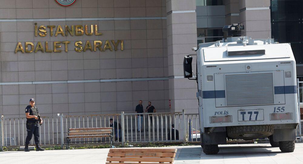 Se produce una explosión cerca de una comisaría en Estambul (Fotos, vídeo)