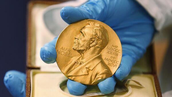 Nobel Prize medal - Sputnik Mundo