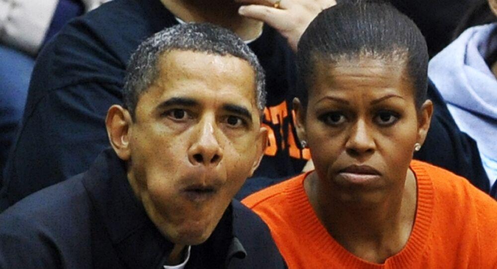 Barack Obama con su esposa