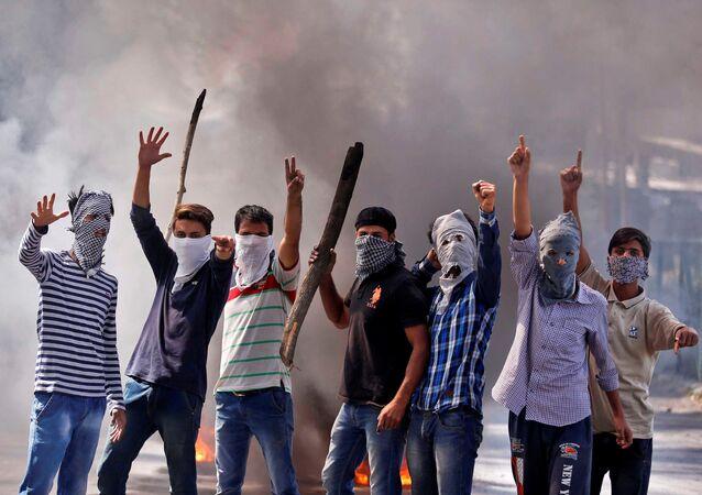 Los protestantes en Jammu y Cachemira