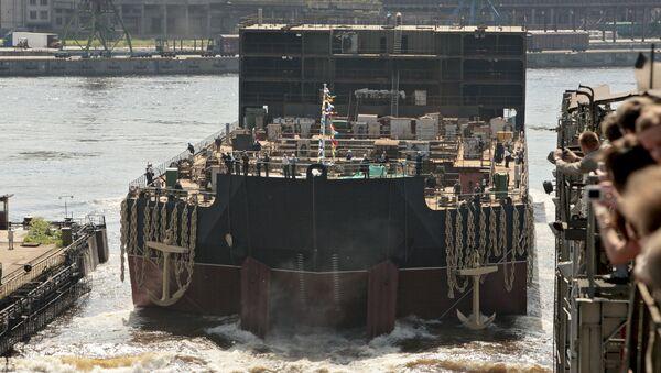 La central nuclear flotante Académico Lomonósov - Sputnik Mundo