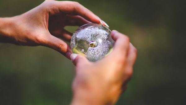 Un cristal (ilustración) - Sputnik Mundo
