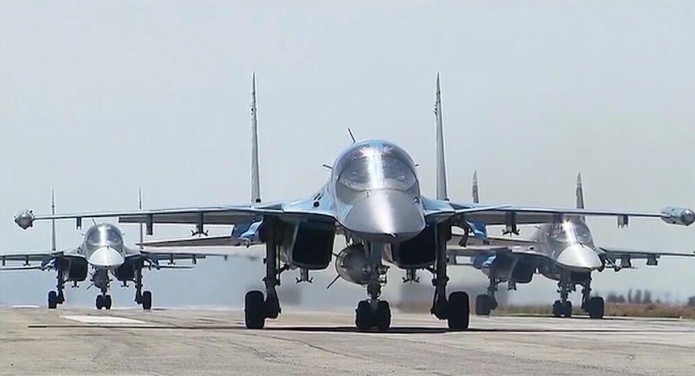 Un avión ruso en la base de Hmeymim