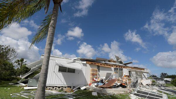 Una casa destruida por el huracàn Matthew, Florida - Sputnik Mundo