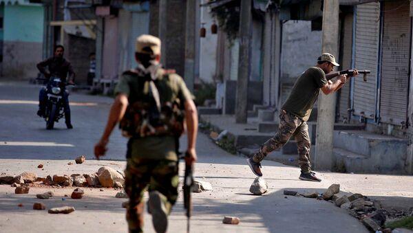 Los policías en Jammu y Cachemira, la India - Sputnik Mundo