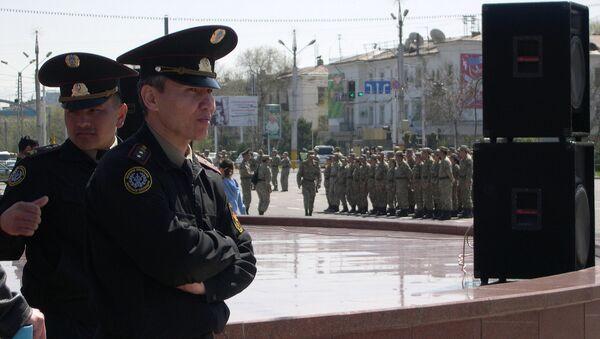 Los policías kazajos (archivo) - Sputnik Mundo