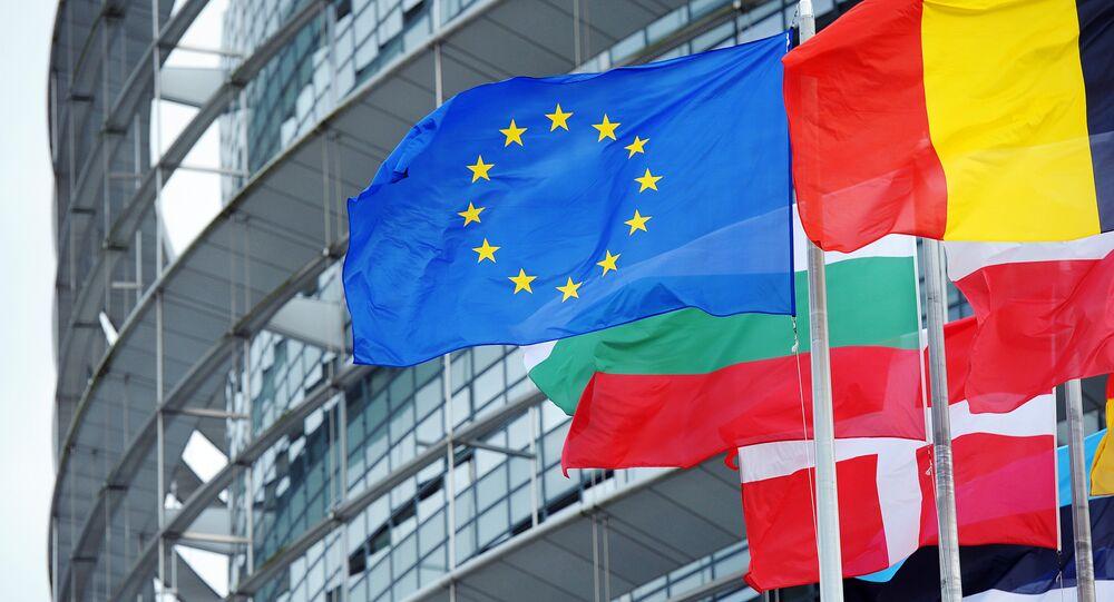 Bandera de la UE y de los países miembros de la UE