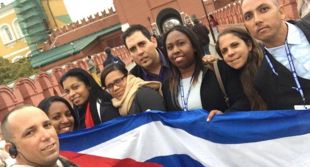 Delegación de jóvenes cubanos en el Kremlin