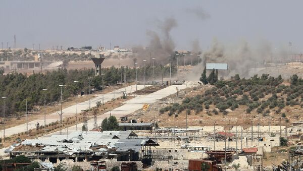 El humo cerca del camino de Castelo en Siria (archivo) - Sputnik Mundo