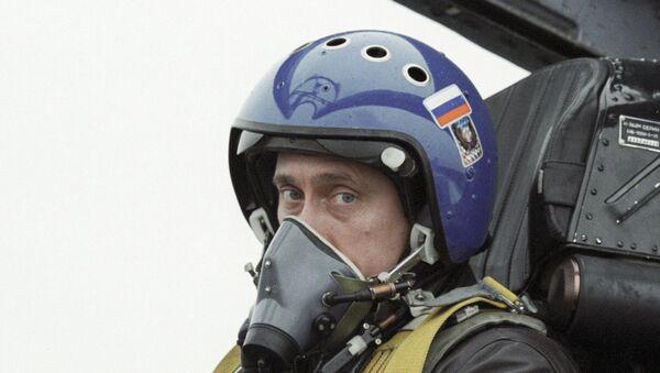Путин в кабине истребителя СУ-27 - Sputnik Mundo