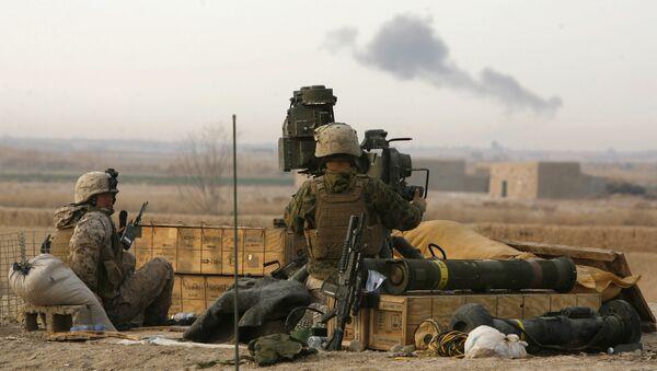 Militares con el sistema antitanque TOW - Sputnik Mundo