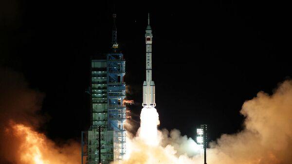 Lanzamiento de la nave espacial china Shenzhou - Sputnik Mundo