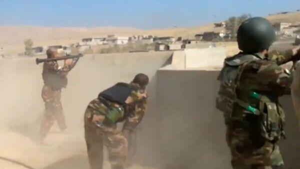 El ataque contra Mosul: batalla entre kurdos y extremistas de Daesh en Hazira - Sputnik Mundo
