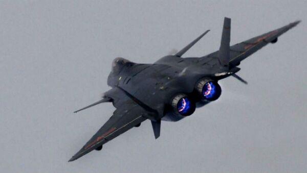 El caza furtivo J-20 chino - Sputnik Mundo