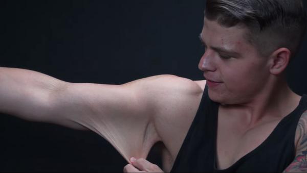 Impactante transformación: Video viral muestra a un youtuber tras perder 91 kilos - Sputnik Mundo