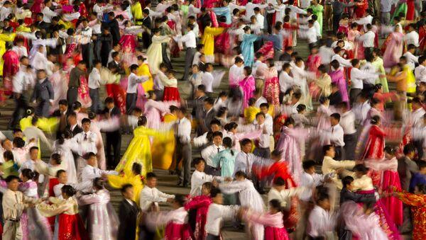 Baile tradicional norcoreano (archivo) - Sputnik Mundo