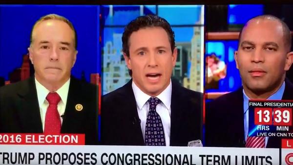 CNN interrumpe el discurso de un congresista mientras acusaba a Clinton - Sputnik Mundo
