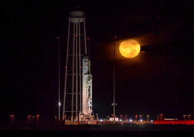 El cohete Antares