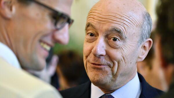 Alcalde y candidato de derecha del partido republicano de Burdeos para la elección presidencial de 2017 Alain Juppé - Sputnik Mundo