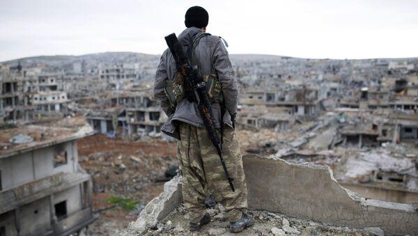 Francotirador kurdo en Siria (archivo) - Sputnik Mundo