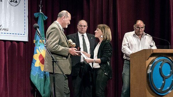 Telma Luzzani es galardonada con la prestigiosa estatuilla Arturo Jauretche - Sputnik Mundo