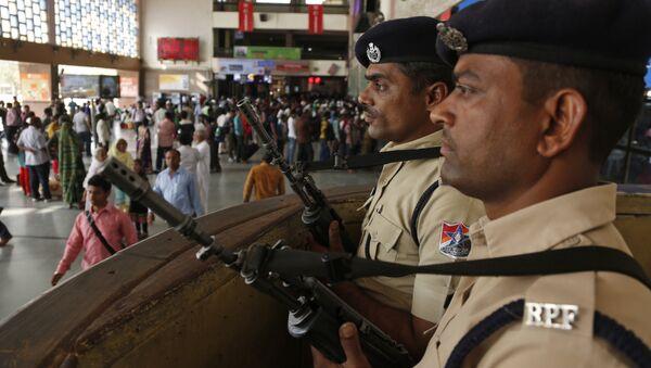 Policías indios - Sputnik Mundo