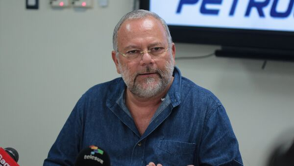 Carlos Pareja Yannuzzelli - Sputnik Mundo
