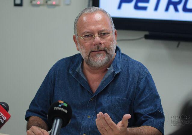 Carlos Pareja Yannuzzelli, exministro de Hidrocarburos