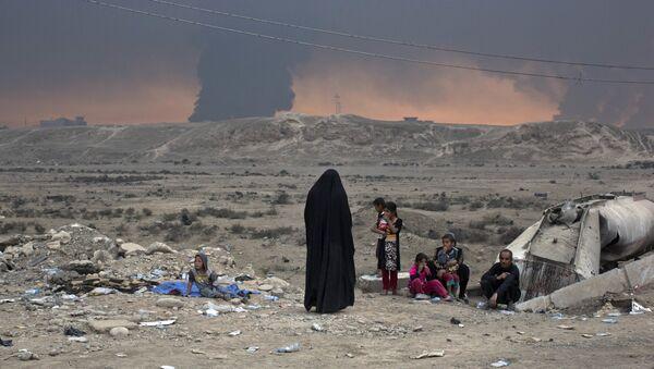 Las personas desplazadas, Mosul, Irak, el 23 de octubre de 2016 - Sputnik Mundo