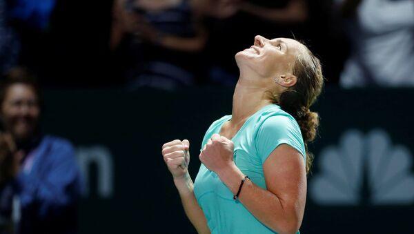 La rusa Svetlana Kuznetsova celebra su victoria sobre la polaca Agnieszka Radwanska - Sputnik Mundo