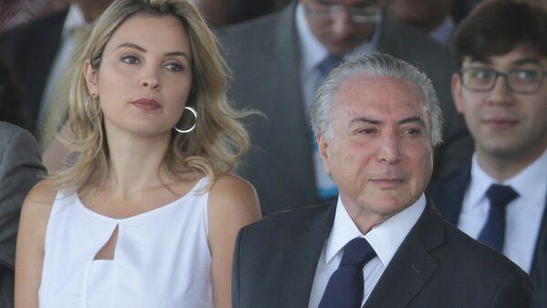 Michel Temer, presidente de Brasil, con su esposa, Marcela Temer - Sputnik Mundo