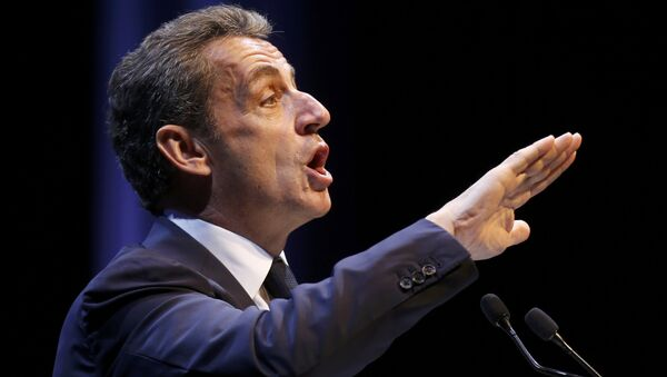 Nicolas Sarkozy, former head of the Les Republicains political party, attends a political rally as he campaigns for the French centre-right presidential primary in Toulon, France, October 21, 2016 - Sputnik Mundo