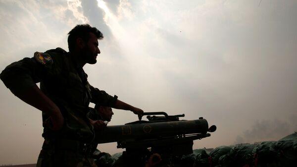 Militante kurdo en Mosul (archivo) - Sputnik Mundo